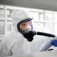 Kun ammattilainen suorittaa esimerkiksi irtaimiston puhdistamisen, se on pikkutarkkaa työtä, joka suoritetaan aseptisesti ja huolellisesti, luokitelluilla työvälineillä ja henkilöt oikein suojattuina.